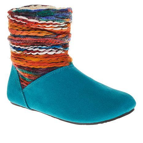 BEARPAW® Natoma III Aztec-Inspired Travel Boot