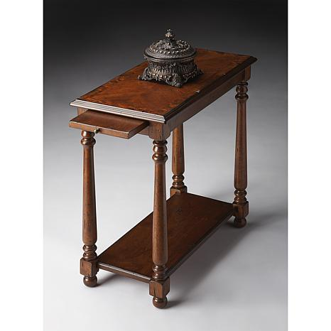 Chairside Table with Old Fashioned Spooled Legs