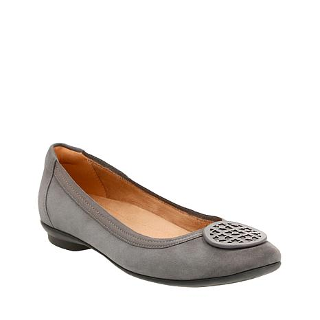 Clarks Artisan Candra Blush Leather Ballet Flat