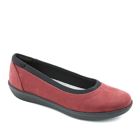 Cloudsteppers by Clarks Ayla Lo Slip-On Comfort Skimmer