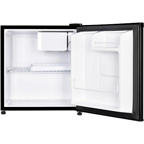 Magic Chef Black 1 7 Cu Ft Mini Refrigerator W Chiller Compartment 9072404 Hsn The magic chef is good for dorm rooms. magic chef black 1 7 cu ft mini refrigerator w chiller compartment