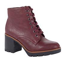Naturalizer Madalynn Heeled Lug-Sole Boot