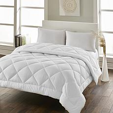 Hotel Laundry Medium Warmth All Season Down Alt Comforter - Full/Queen