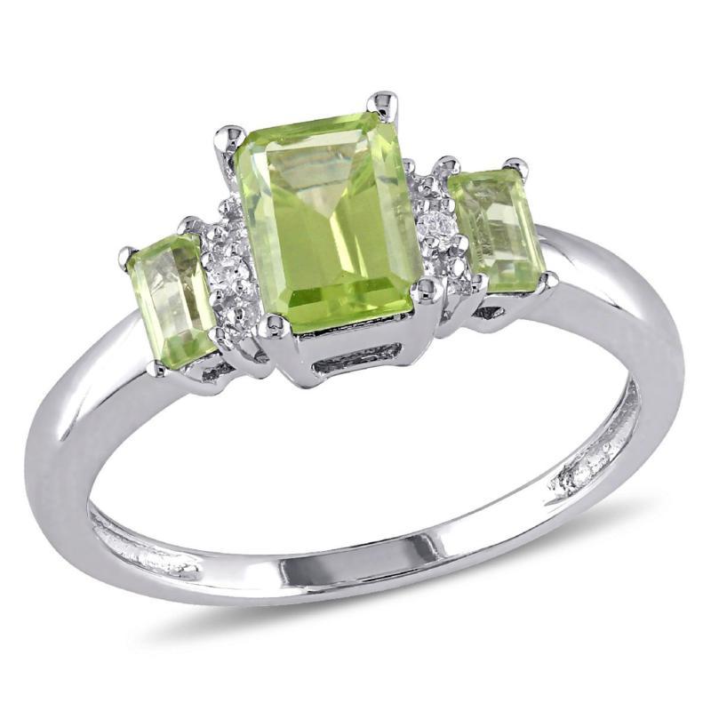 1.25ctw Peridot and Diamond 10K 3-Stone Ring
