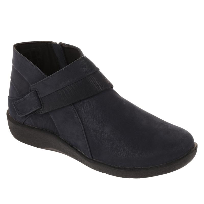 CLOUDSTEPPERS by Clarks Sillian Rani Ankle Boot