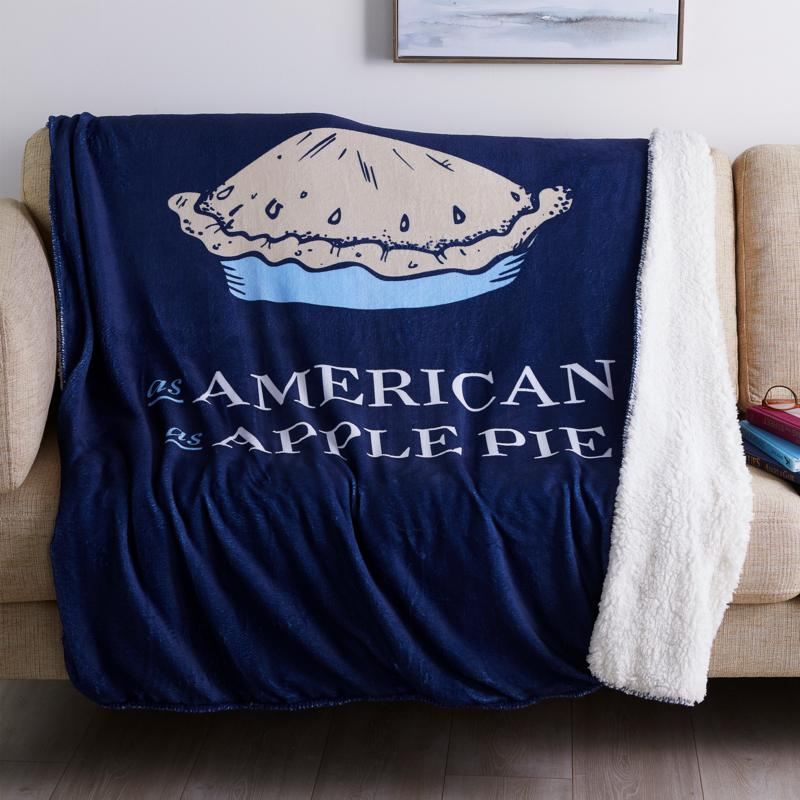 Country Living Home Collection Icon Plush Throw - Apple Pie